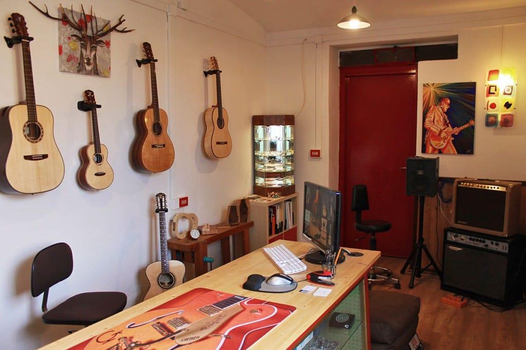 Showroom della Liuteria Guarnieri