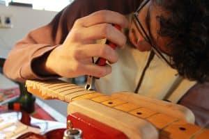 Estrazione tasti su un manico Fender Stratocaster