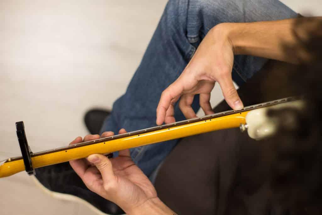misurazione relief del manico